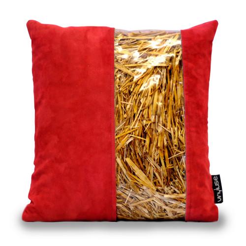 Cuscino rosso con striscia in paglia